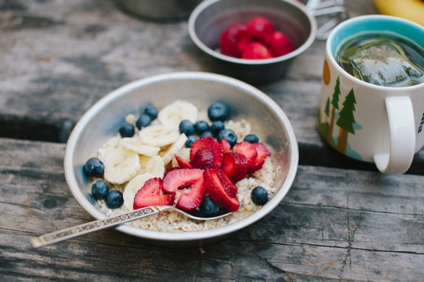 Super Easy Camp Breakfast with Basically No Prep: Dress Up Your Oatmeal! // WeAreAdventure.us